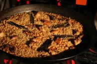 Rabbit and chicken paella