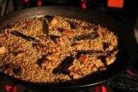 Rabbit and chicken paella